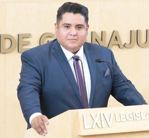 EL PRESIDENTE DE MÉXICO DEBE ENTENDER QUE QUIÉN PIENSA DIFERENTE A ÉL NO ES SU ENEMIGO Y QUE DEBE APRENDER A TRABAJAR EN EQUIPO: DIPUTADO CÉSAR SOSA