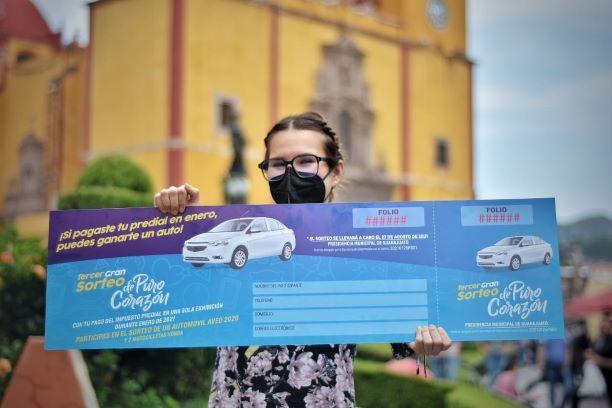 ARRANCA LA ENTREGA DE BOLETOSPARA LA RIFA DE UN AUTO PARA AQUELLOS QUE PAGARON EL PREDIAL A TIEMPO EN GTO CAPITAL.