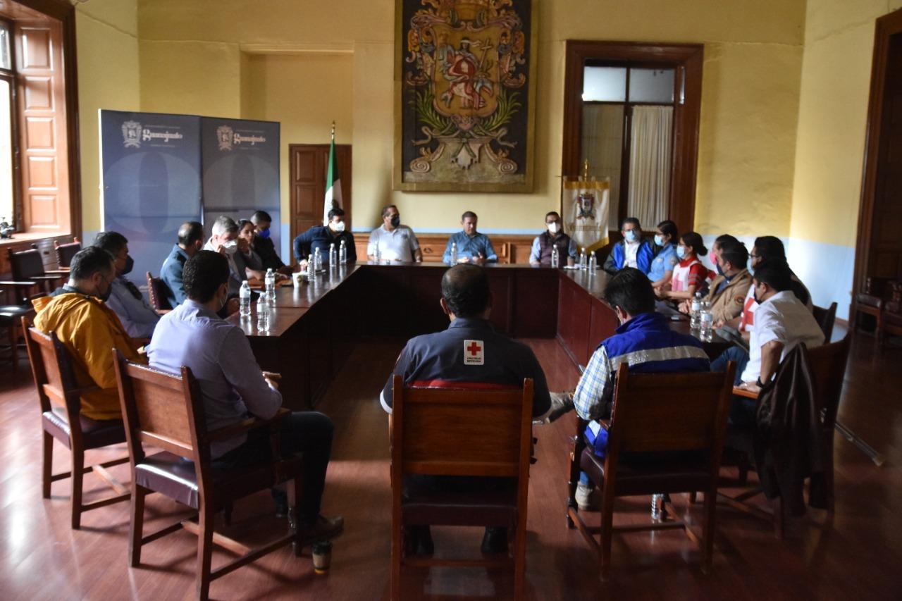 ANTE LOS EVENTOS NATURALES QUE SE VIVEN EN GUANAJUATO CAPITAL LAS AUTORIDADES TOMAN PRECAUCIONES PARA PODER BRINDAR AYUDA A LA CIUDADANIA.