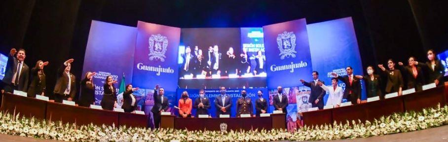 RINDE PROTESTA EL H. AYUNTAMIENTO 2021-2024 EN PRESENCIA DEL GOBERNADOR DEL ESTADO